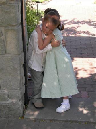 gabe hug liv