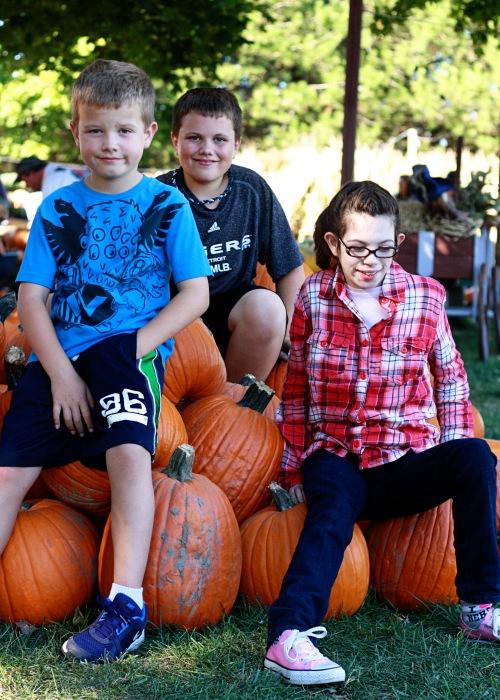 kids pumpkins 1
