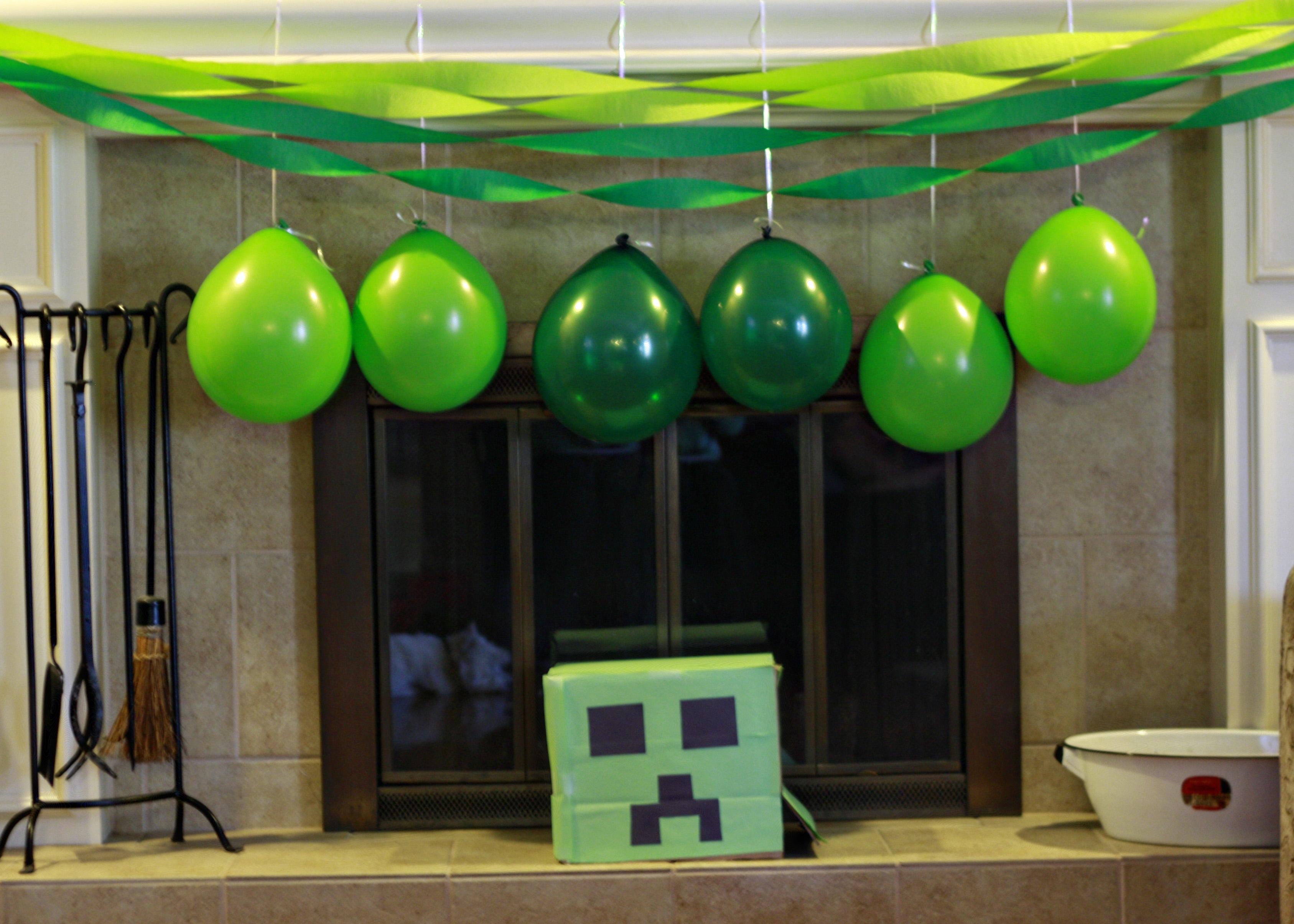Gabe s minecraft party elastamom 39 s excerpts - Minecraft dekoration ...